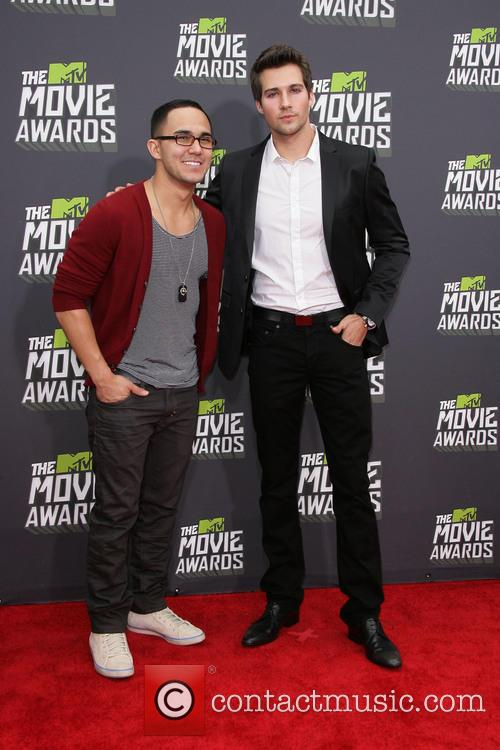 Carlos Pena and James Maslow 2