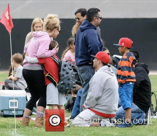 Britney Spears, Kevin Federline and Sean Federline 7