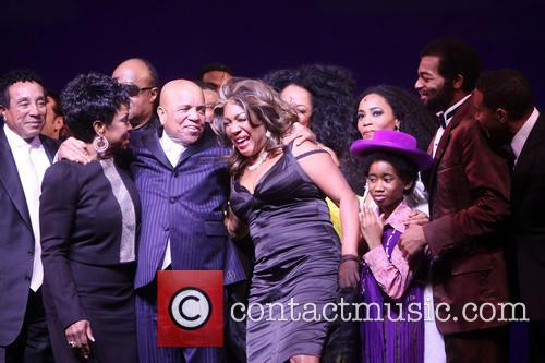 Smokey Robinson, Gladys Knight, Stevie Wonder, Berry Gordy, Mary Wilson, Diana Ross, Valisia Lekae, Raymond Luke Jr., Br and On Victor Dixon 2