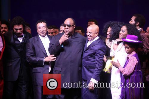 Smokey Robinson, Stevie Wonder, Berry Gordy, Diana Ross, Brandon Victor Dixon, Valisia Lekae and Raymond Luke Jr. 4