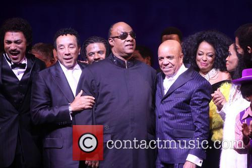 Smokey Robinson, Stevie Wonder, Berry Gordy, Diana Ross, Brandon Victor Dixon and Valisia Lekae 6