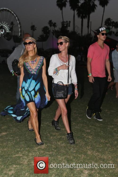 Paris Hilton, Nicky Hilton and River Viiperi 6