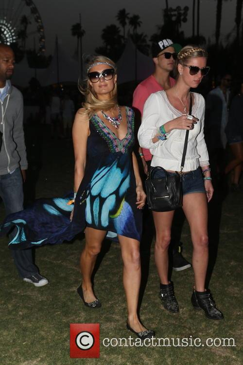 Paris Hilton, Nicky Hilton and River Viiperi 7