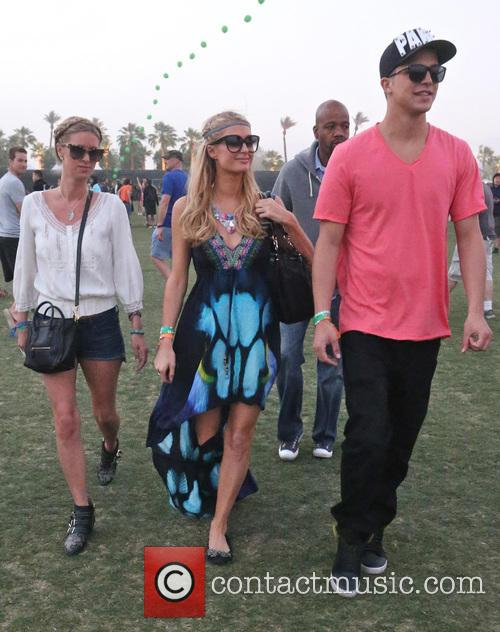 Paris Hilton, Nicky Hilton and River Viiperi 1