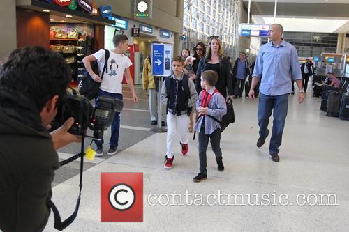Victoria Beckham, Harper Seven Beckham, Romeo Beckham, Brooklyn Beckham and Cruz Beckham 6
