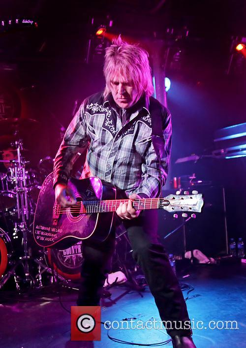 Mike Peters 9
