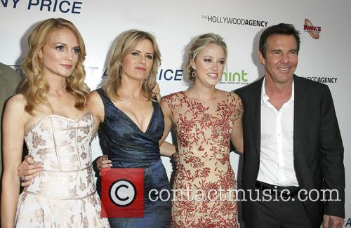 Heather Graham, Kim Dickens, Maika Monroe and Dennis Quaid 5