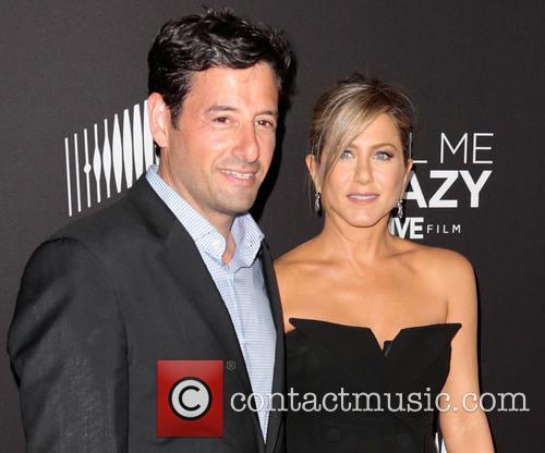 Robert Sharenow and Jennifer Aniston 1