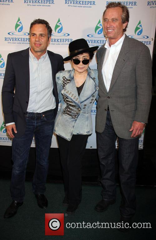 Mark Ruffalo, Yoko Ono and Robert Kennedy Jr 3