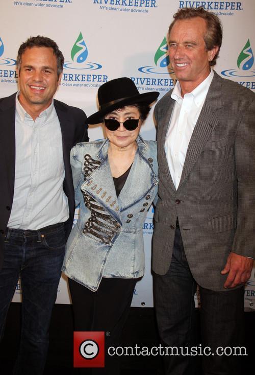 Mark Ruffalo, Yoko Ono and Robert Kennedy Jr 1