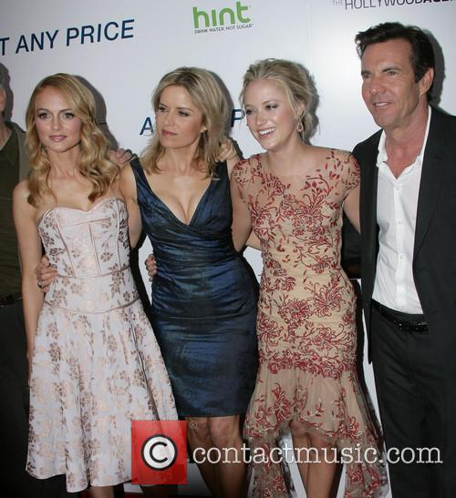 Heather Graham, Kim Dickens, Maika Monroe and Dennis Quaid 4