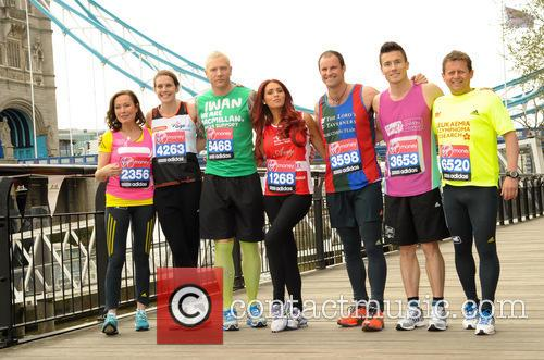 Andrew Strauss, Kelly Sotherton, James Toseland, Iwan Thomas, Amy Childs, Mike Bushell and Amanda Mealing. 7