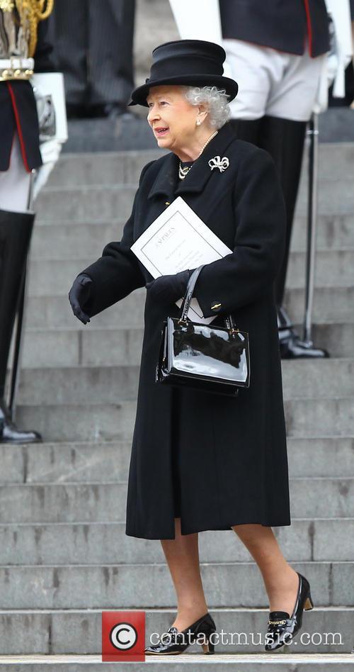 Hm Queen Elizabeth and Queen Elizabeth Ii 1