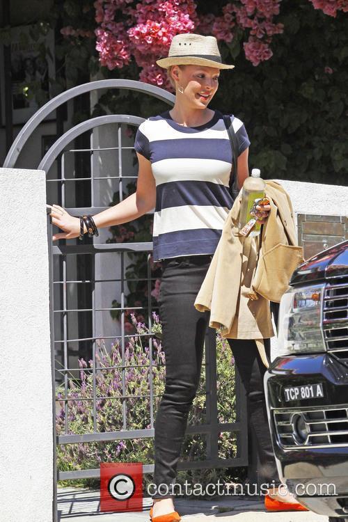 Katherine Heigl depart mums house