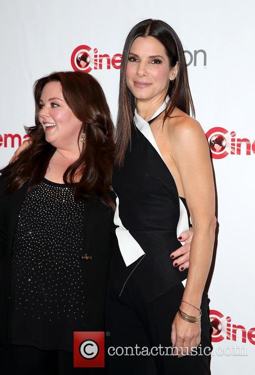 Melissa Mccarthy and Sandra Bullock 11