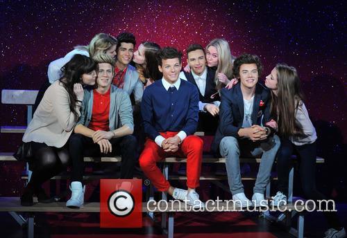Harry Styles, Zayn Malik, Niall Horan, Louis Tomlinson, Liam Payne and Waxwork 8