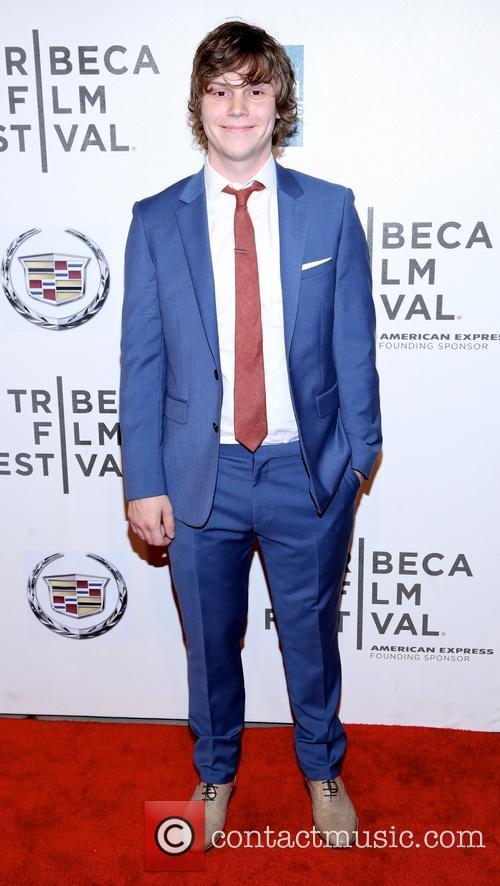 Evan Peters 6