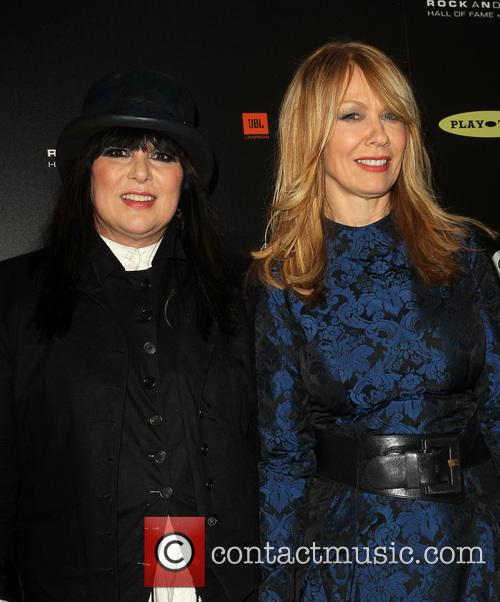Ann Wilson and Nancy Wilson 4