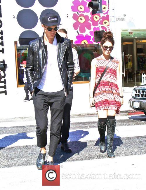Vanessa Hudgens and Austin Butler 3