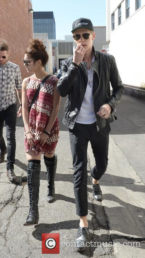 Vanessa Hudgens and Austin Butler 6
