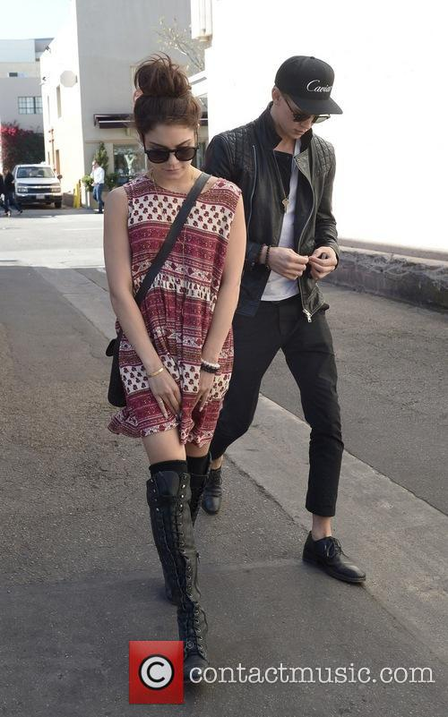 Vanessa Hudgens and Austin Butler 15