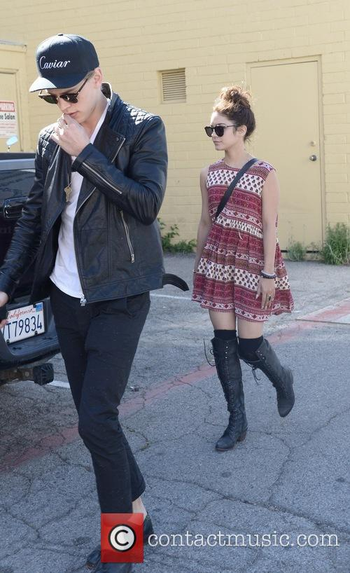 Vanessa Hudgens and Austin Butler 16