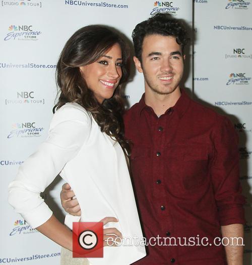 Danielle Jonas and Kevin Jonas 2