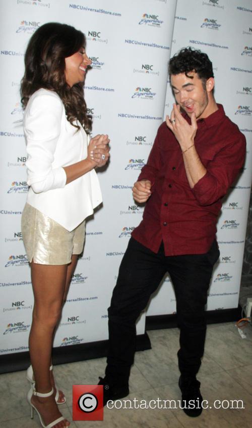 Danielle Jonas and Kevin Jonas 6