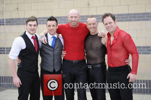 Matt Lapinskas, Guest, Gareth Thomas, Daniel Whiston and Kyran Bracken 7