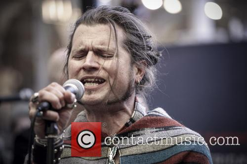 Jay Buchanan and Rival Sons 13