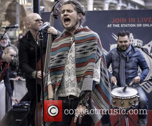 Jay Buchanan and Rival Sons 14