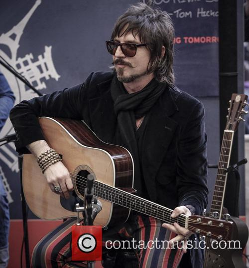 Scott Holiday and Rival Sons 4