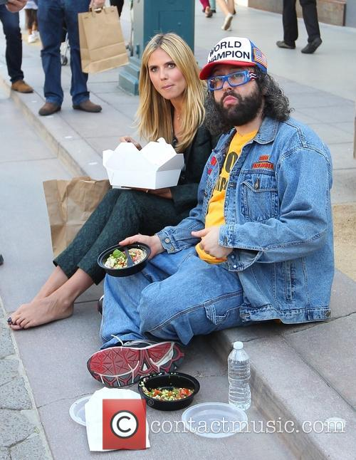 heidi klum judah friedlander heidi klum filming with 3617229