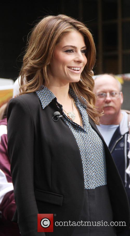 Maria Menounos shooting on location for Extra