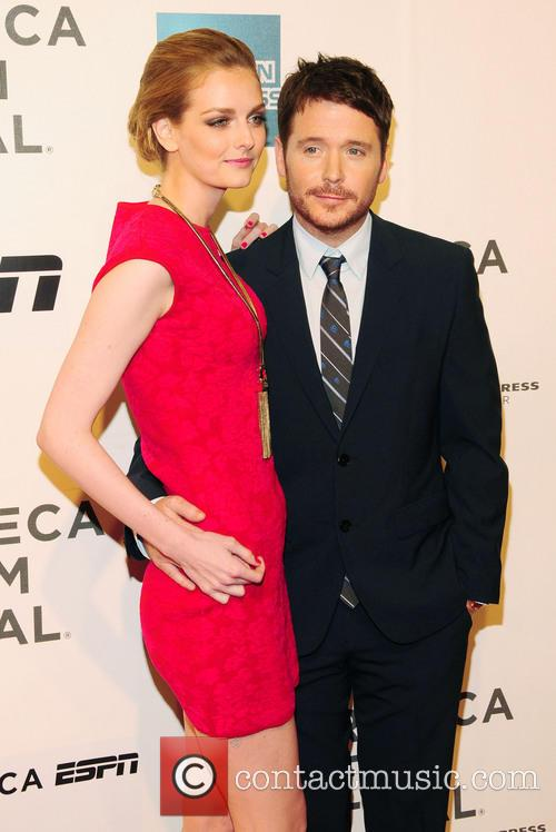 Lydia Hearst and Kevin Connolly 1