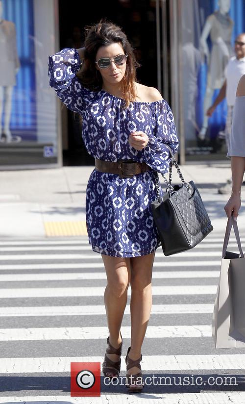 Eva Longoria shops in Sunset Plaza with friends
