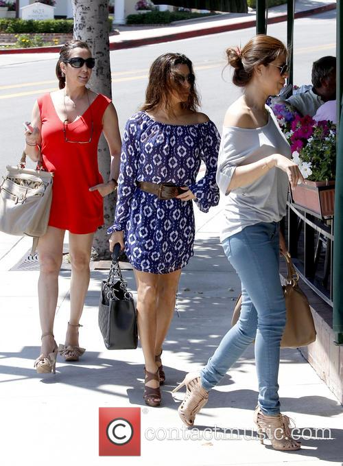 Eva Longoria shops in Sunset Plaza with friends
