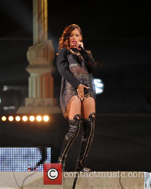 Rihanna 25