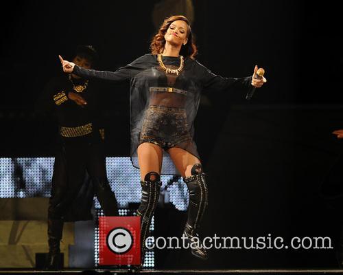 Rihanna 47