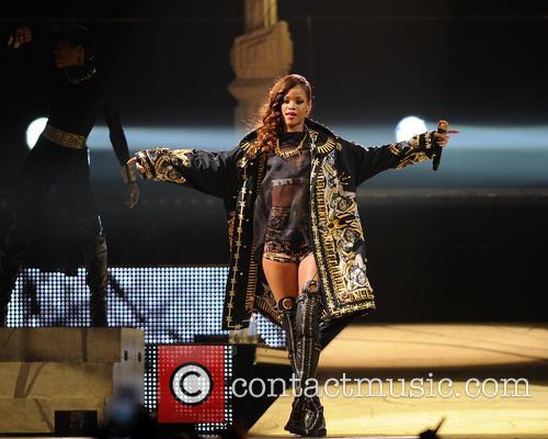 Rihanna 48