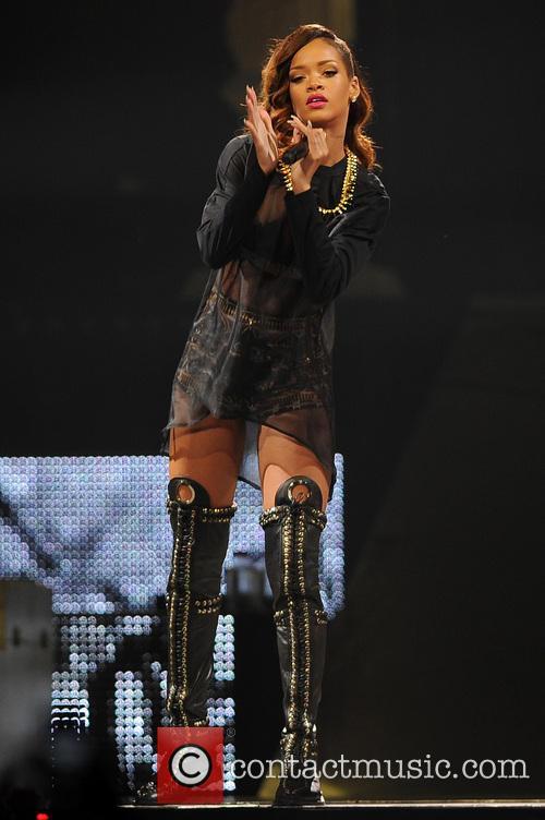 Rihanna 57