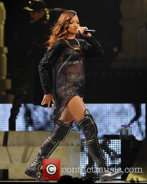 Rihanna 68