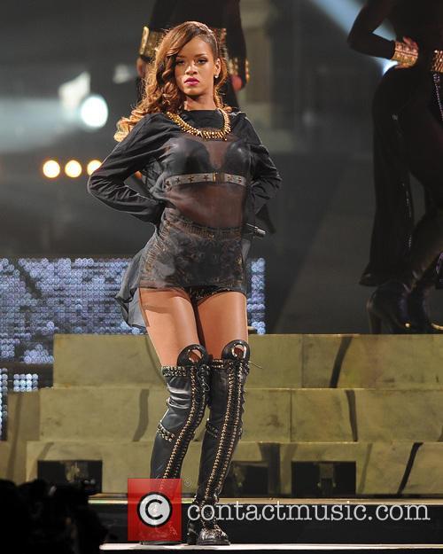 Rihanna 76