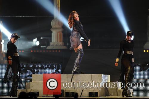 Rihanna 80
