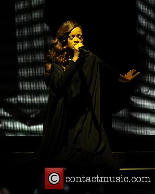 Rihanna 85