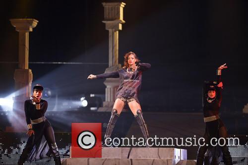 Rihanna 92