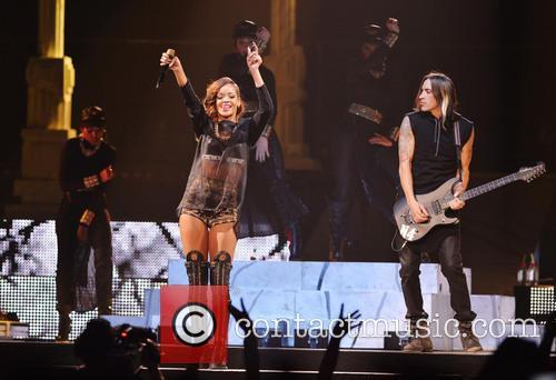 Rihanna 106