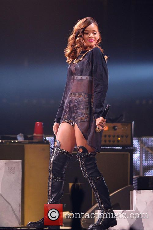 Rihanna 115