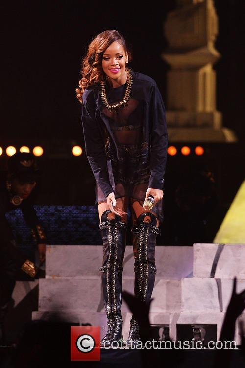Rihanna 121