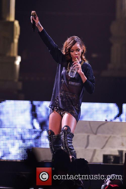 Rihanna 125